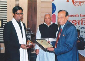 Shailendra Pandey : Awarded by Vaidik Ratna by eminent astologer Pt. K. A. Dubey Padmesh - Click to Enlarge